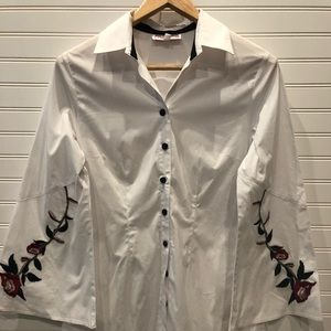 Mishca Embroidered Sleeves Buttondown shirt Size S